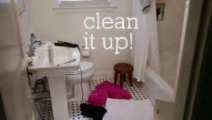 how to keep your bathroom dry five minute cleaning solutions easy tips to beautify and order your life hgtv
