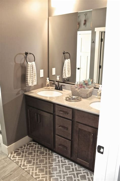 Bathroom Vanity Paint Colors by 1000 Ideas About Grey Bathroom Cabinets On