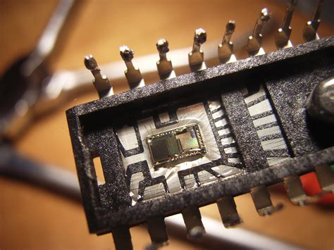 what is inside integrated circuits file integrated circuit optical sensor jpg wikimedia commons