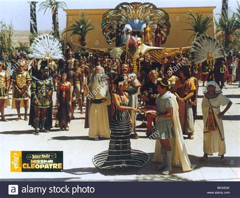 gerard depardieu monica bellucci film asterix obelix mission cleopatra 2002 monica bellucci