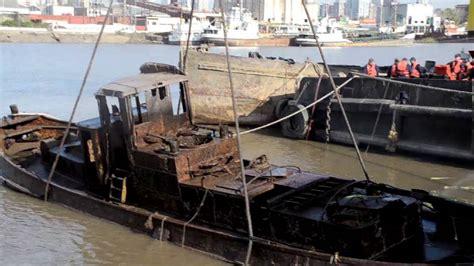 un barco youtube reflotamiento de un barco youtube