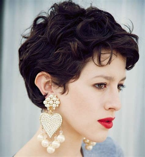 is a pixie haircut cut on the diagonal 25 best ideas about curly pixie hair on pinterest pixie