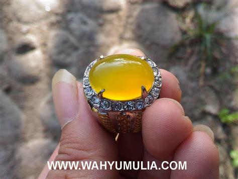 Batu Cincin Cempaka Putih batu cincin akik warna kuning cerah kode 402 wahyu mulia