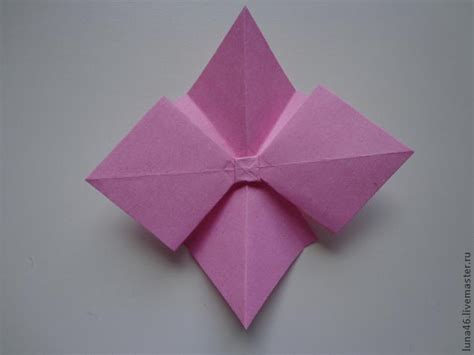 Origami Present Bow - how to diy origami paper gift bow