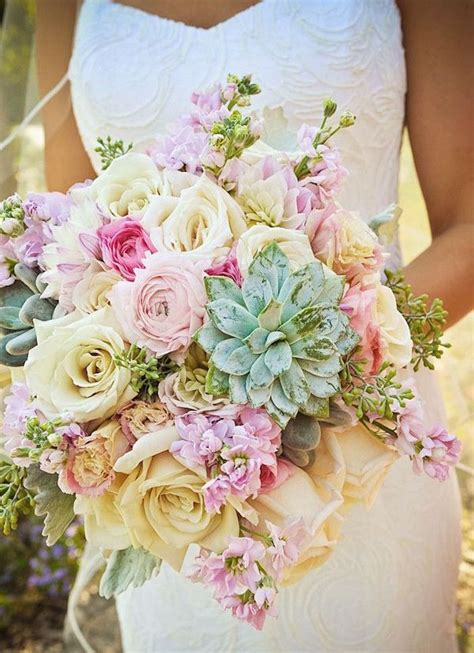 summer wedding colors that inspire wedding bouquets