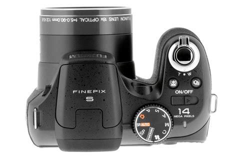 Kamera Prosumer Fujifilm Finepix S2950 appareil photo compact fujifilm finepix s2950 3395847 darty