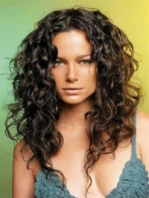 Hairstyles For Curly Thick Hair by 20 Best Haircuts For Thick Curly Hair Hairstyles