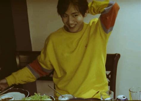 kim taehyung yellow taehyung yellow aesthetic taehyung aesthetic t