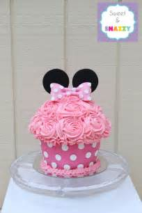 Minnie mouse giant cupcake smash cake by sweet amp snazzy https www