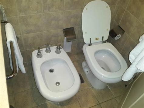 hotels with bidets ba 241 o y bidet picture of howard johnson hotel casino