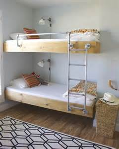 schmales bett 9 amazing diy bunk beds decorating your small space