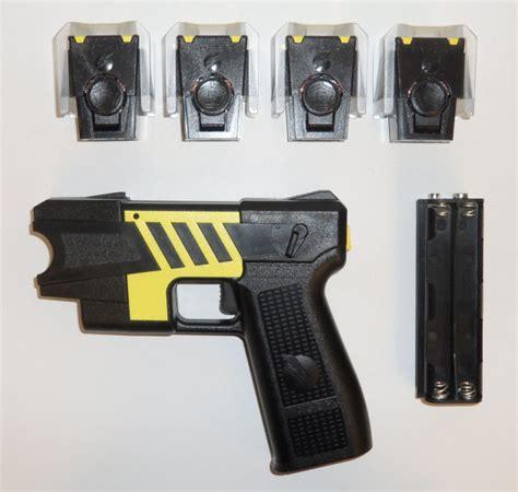 best taser guns taser gun pistol m26c best stun gun