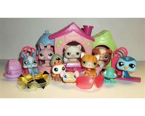 littlest pet shop dog house littlest pet shop 18 piece lps dog house cat accessories snow board register ebay