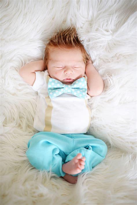newborn boy coming home outfit newborn photoshoot idea