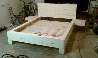 Diy Large Platform Bed Diy Platform Bed With Floating Nightstands Diy Platform