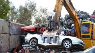 crushing new cars resume crushing hoon cars car news carsguide