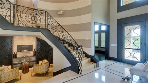 Foyer Tile Design Ideas How To Decorate A Curved Wall Entry Entry Modern With