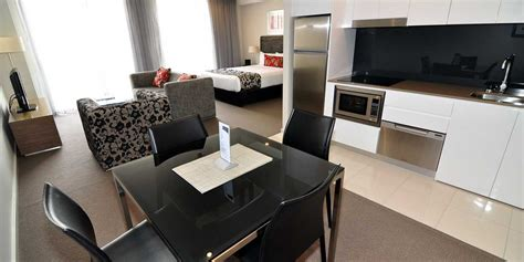 serviced appartments canberra adina serviced apartments canberra dickson best rate guaranteed