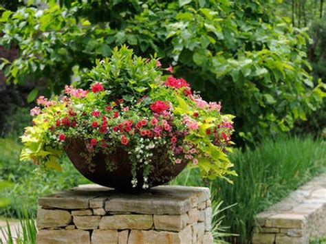 Flower Containers Decorate Your Summer Garden With Flower Containers Www