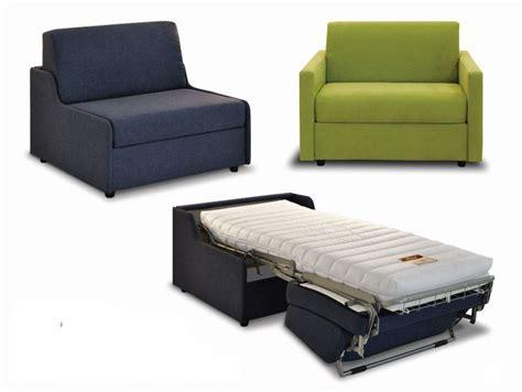 poltrone e sofa divani letto matrimoniali 17 migliori idee su poltrona letto su poltrona