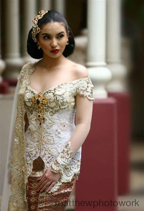 pin kebaya modern festivals in anne avantie design fashion kebaya pinterest