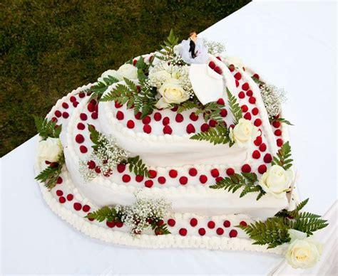 hochzeitstorte 30 personen torte nuziali a forma di cuore foto matrimonio