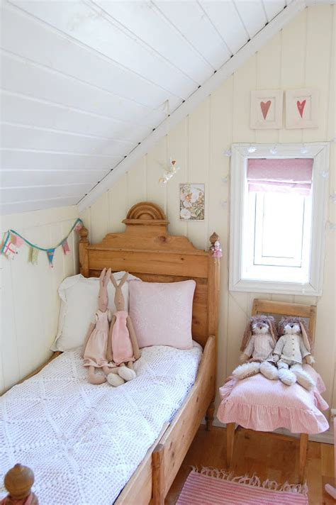 Seng Angsa 6 X 9 barnerom seng