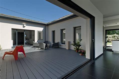 patio maison maison haut de gamme de plain pied avec patio r 233 gion
