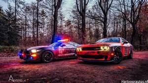 Ford Mustang Gt Vs Dodge Challenger Gereden Shelby Gt350 Vs Challenger Srt Hellcat