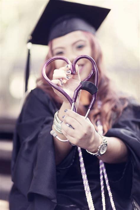 best graduate nursing schools 25 best ideas about nursing school graduation on