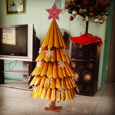 diy recycled magazine holiday tree a handful and some