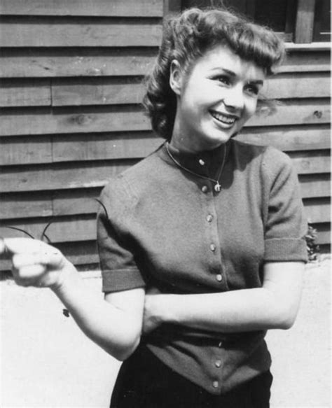 debbie reynolds short hair cut photos a young lovely debbie reynolds her hair is so sweet here