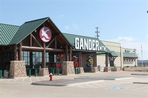 Gander Mountain Gift Card Balance - gander mountain begins liquidation sale as chief plans to remain in business news