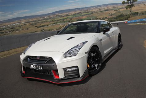 nissan gtrr 2017 nissan gt r nismo review caradvice