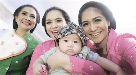 Baju Baju Anak Raffi Ahmad Lihat Gaya Menggemaskan Anak Raffi Ahmad Pakai Baju Adat