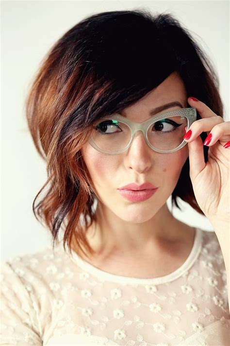 hairstyles bangs and glasses 25 best ideas about bangs and glasses on pinterest