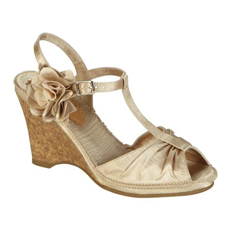 Side Flower Shoes Size 27 30 smith s hilary side flower wedge chagne