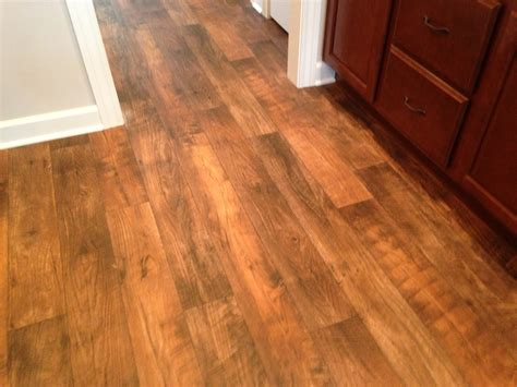 Lanolin Flooring by Best 25 Linoleum Flooring Ideas On Wood Look