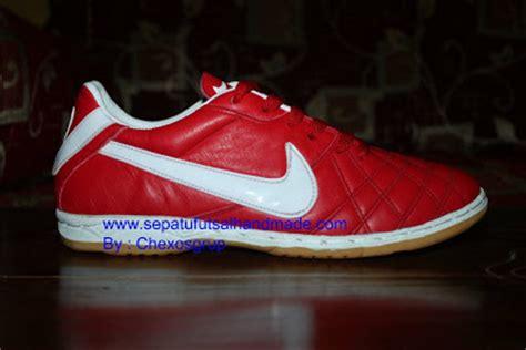 Sepatu Futsal Adidas X16 Hitam Putih List Merah Grade Ori toko sepatu futsal sepatu futsal nike tiempo iv