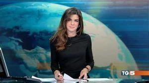 claudio fico glass desk costanza calabrese scandalo in diretta sul tg5