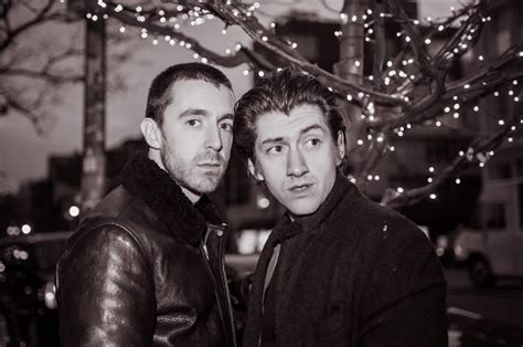 The Shadow Puppet Apple Hijau the last shadow puppets estrenan miracle aligner indiespot