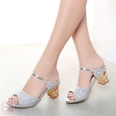 Vincci Heels Sandal Ujung Lancip tambah cantik inilah model sepatu wisuda yang cocok