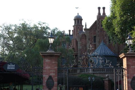 disney world haunted mansion all things disney pinterest