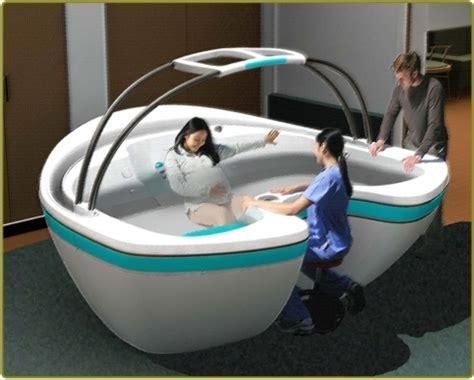 birthing bathtub water birth hot tub pinterest births water birth