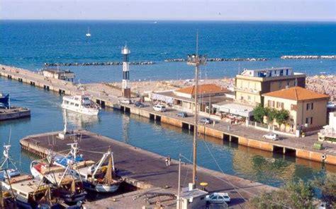 porto di cattolica cattolica luoghi da visitare