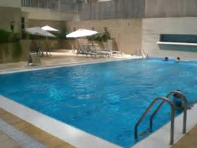 swimming pool file macau grandview hotel swimming pool mo707 jpg wikimedia commons