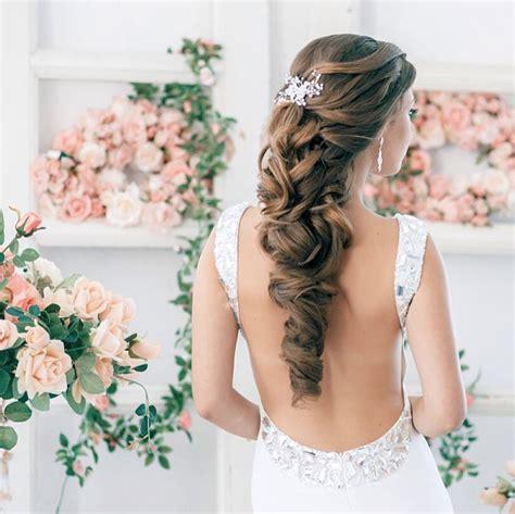 bridal hairstyles romantic 20 romantic wedding hairstyles we love modwedding
