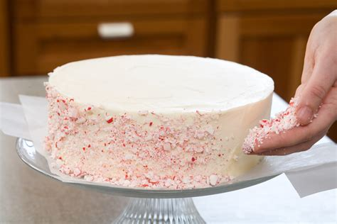 easy bake secrets to decorating layer cakes