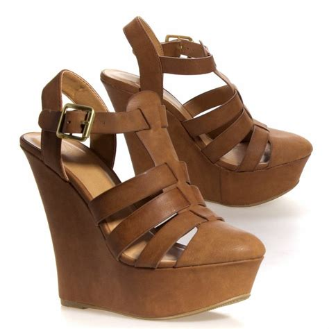 25 best ideas about closed toe sandals on
