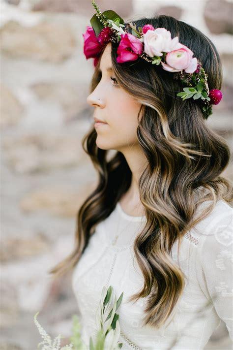 Wedding Hair Wavy by Best 25 Wavy Wedding Hairstyles Ideas On
